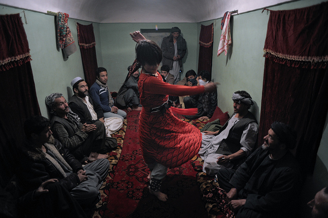 young-afghanistan-boy-sex-slave-bacha-bazi-dancing-photo-by-martin-von-krogh-expressen.jpg